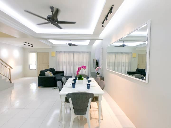 Cozy House near UiTM Puncak Alam@alamihomestay