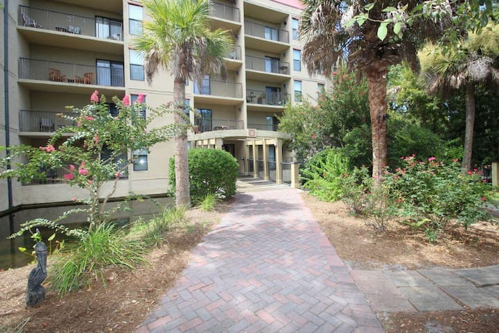 3 Bedroom Xanadu Villa with Private Balconies, Short Walk to the Beach - Hilton Head Island - Pis