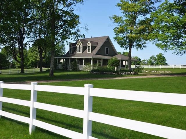 Equestrian Estate - Harbor Springs - House
