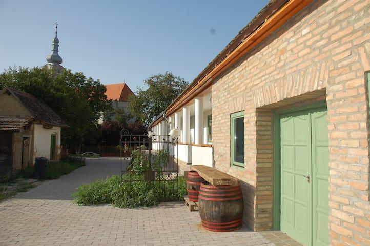Likaskalács Vendégház - Regöly - Guesthouse