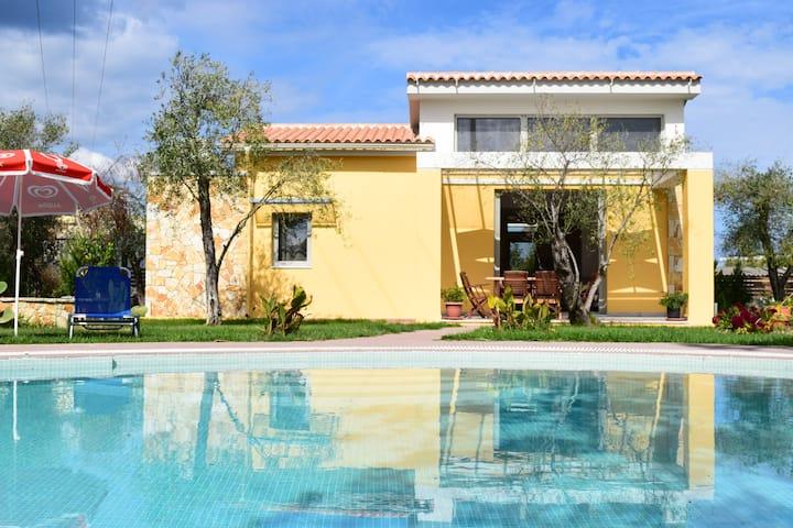 Luxury Villa ilios with private pool