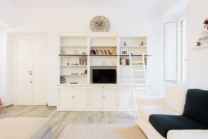 Soggiorni In Stile Shabby Chic.Accogliente Appartamento In Stile Shabby Chic Apartments For Rent In Rome Lazio Italy