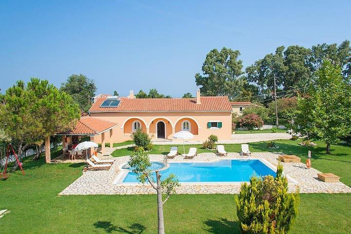 Villa Vasiliki - Roda - Villa