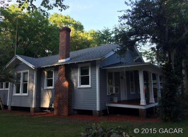 Citrus House- Close to UF - Gainesville - Casa