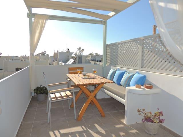 Central Cosy apartment + spacious terrace~Melianna