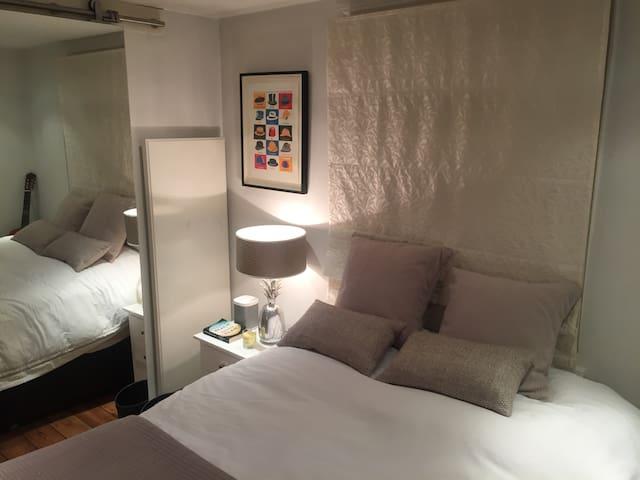 Stunning Modern 1 Bed  Flat - Portobello Market!