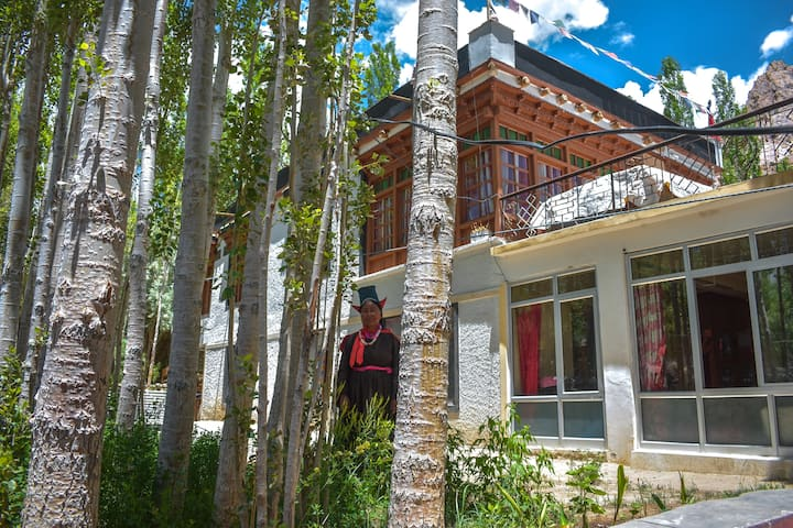 Potpa (Private Room - Himalayan Farmstays)