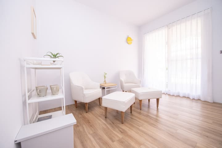 2019 NEW!! Room with balcony+bathroom in Kaohsiung