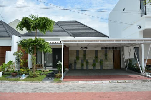 Audy's House 1  Jl. Godean Km.7