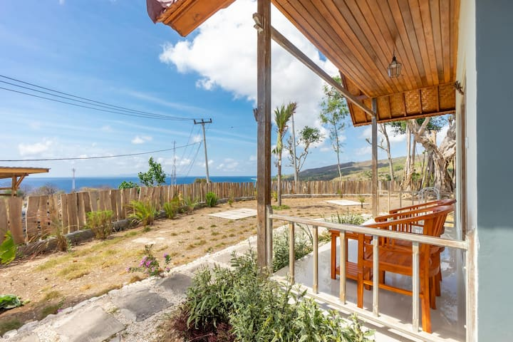 Breathtaking Ocean View Cabin in Hillside Penida