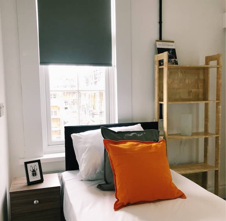 Single Room with En Suite Bathroom