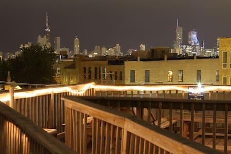 Mix Dorm in Wicker Park hostel - Chicago