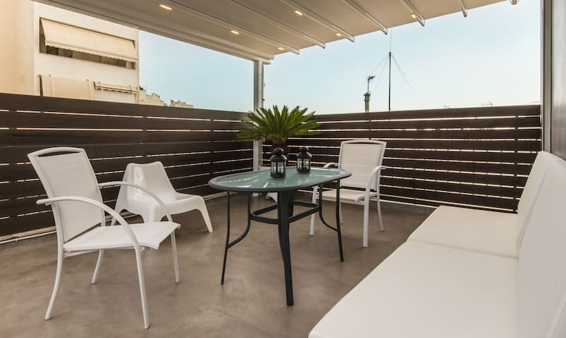 30% OFF: Lux Athens Roof Garden Dream Penthouse - Athina - Daire