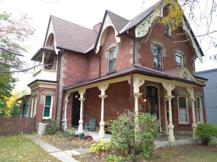 Victorian Home in the Heart of Barrie