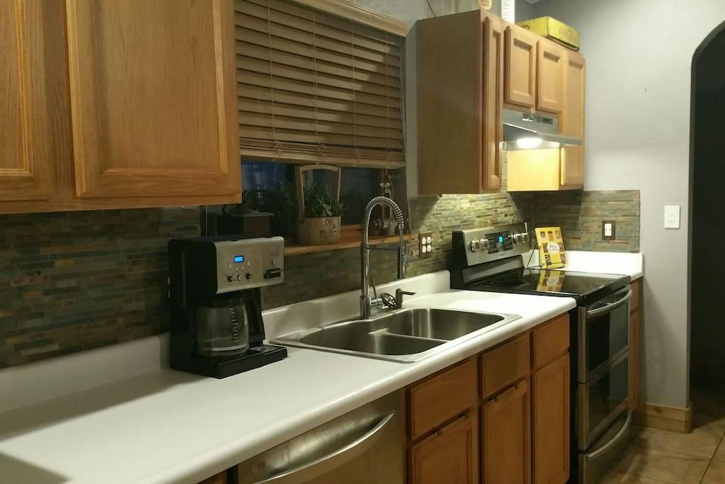Kitchen w new appliances.