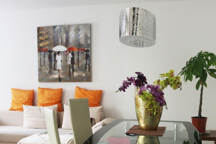 2 Zimmer Wohnung in München Bogenhausen mit garten