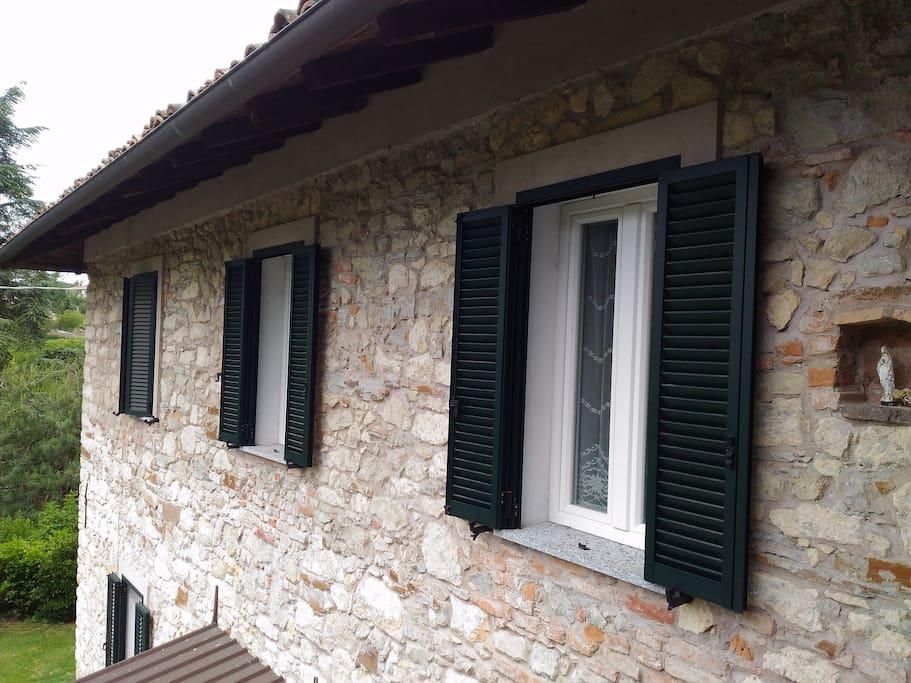 la casa è stata edificata intorno al 1860 in pietra locale