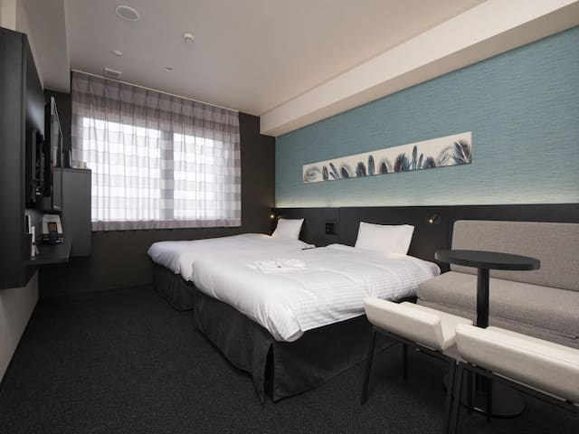 3 Star Hotel! Excellent location! Triple room with free wifi and LG Styler ♦Non-smoking♦