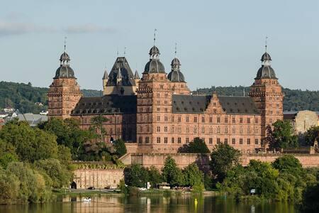 Haus Hibiskus: Zimmer im Zentrum von Aschaffenburg - Aschaffenburg