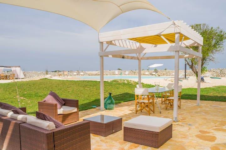 Falcon Home Resort- Double Room Legno - Lecce - Overig