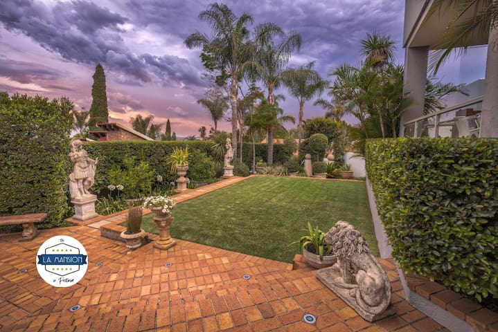 The L.A. Mansion: Luxury Suite and Views