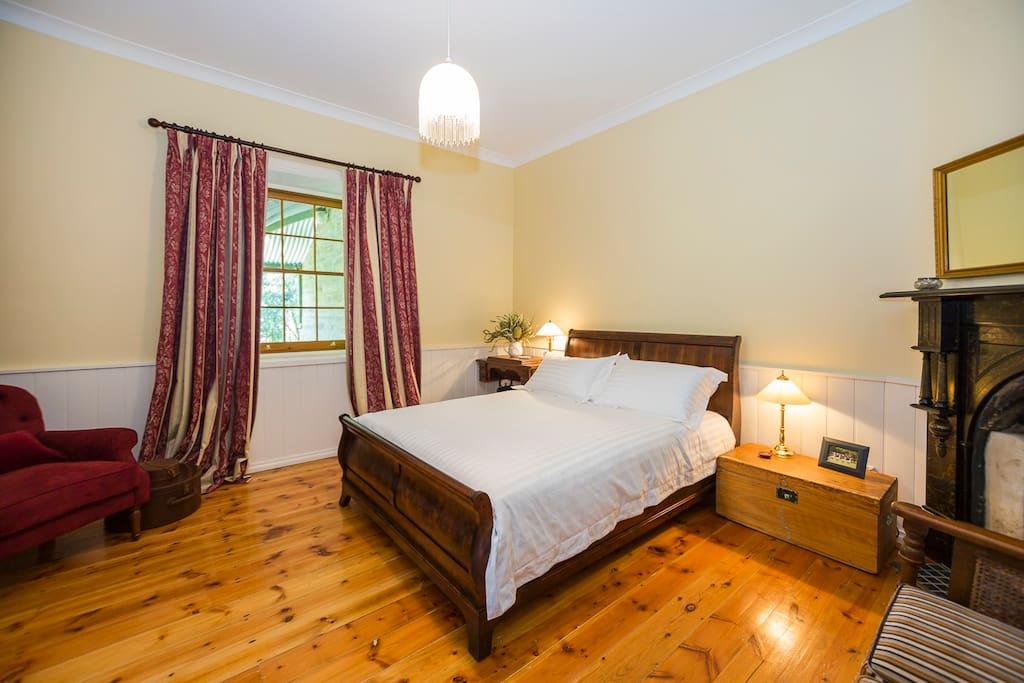 Burgundy queen room
