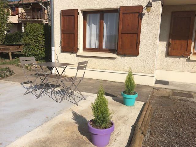 Appartement tout confort - Saint-Georges-de-Luzençon - Apartment