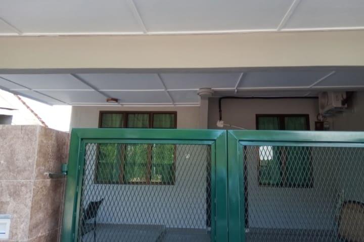Selesa Homestay Taman Seriku Jalan Gambang Kuantan