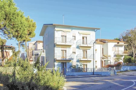 Holiday apartment with 2 bedrooms on 50m² in Rosolina Mare RO
