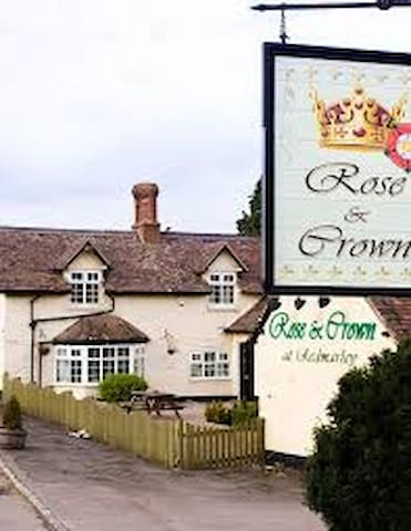 Traditional  Country Pub with Rooms (Room 3)