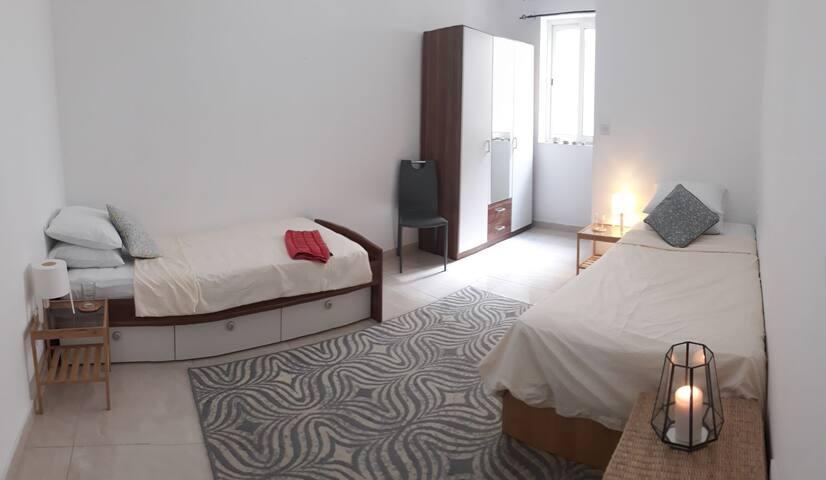 Lovely ensuite room in central Malta