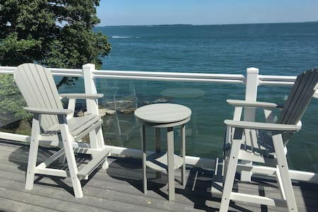 Put-in-Bay 10-Person Waterfront Condo.  Great View