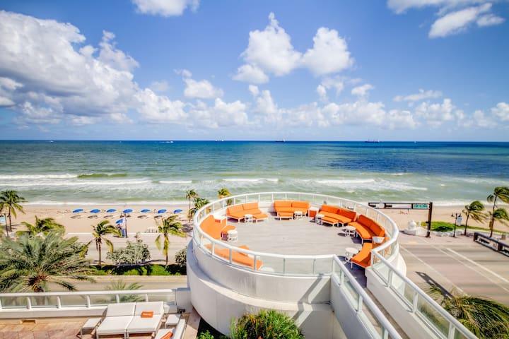 Hilton Beach Resort - King Jr Suite Ocean View - Fort Lauderdale - Condominium