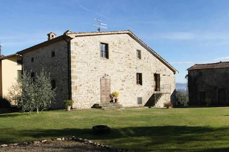 Country house in Tuscany, apartment with kitchen for 2-3 people
