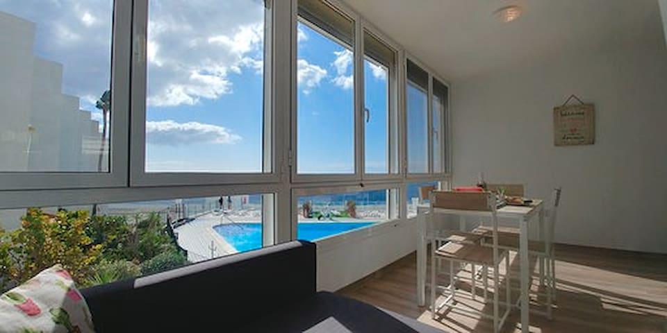 Ocean window Marina