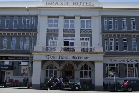 The Grand Hotel - Wanganui - Whanganui - Bed & Breakfast