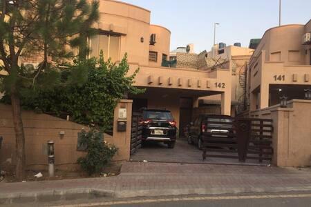 Bahria town1 bed /bath/kitchen monthly rental