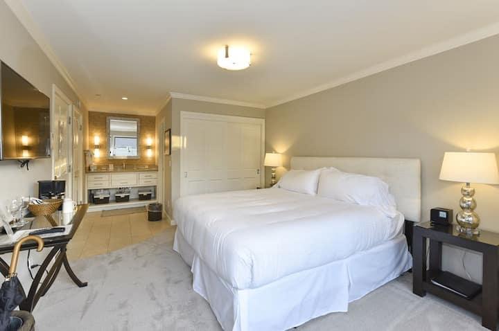 High-end Getaway Suite at Silverado in Napa!