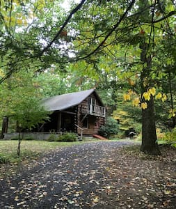 Hudson Valley Log Cabin - Accord