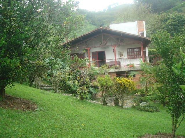 Beautifull Cabin / Hermosa Cabaña en Girardota - Medellín - Alojamento ecológico