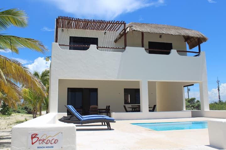 Front Beach House Yucatan Wi-Fi, Pool, Smart Tv