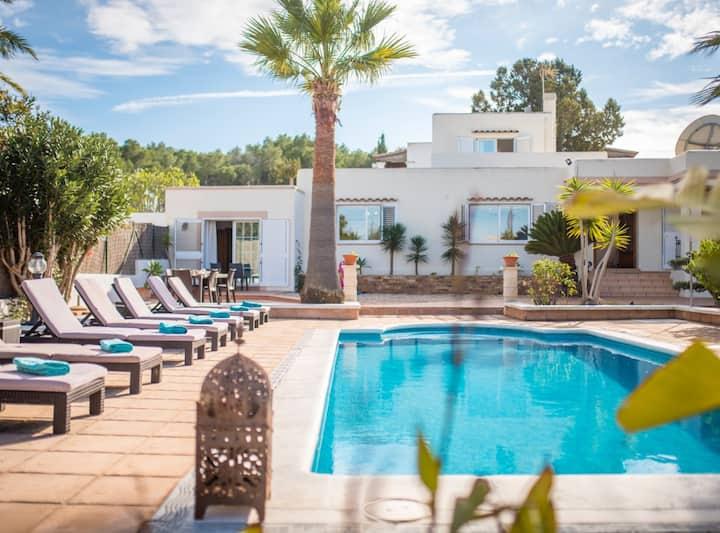 Villa Can Petrus, con piscina y wifi gratis