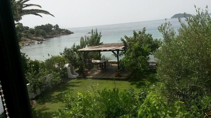 LA  CASA SUL MARE (SEASIDE HOME) - Paleo Tsifliki - Дом