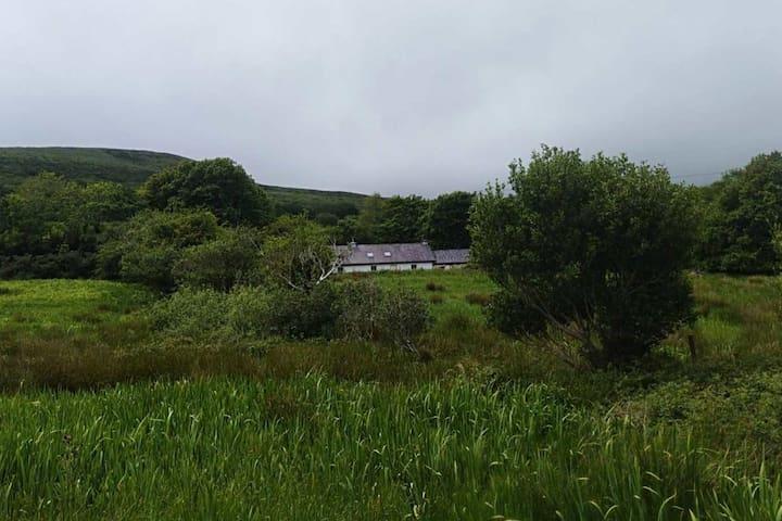 Gleann na nGealt Farmhouse