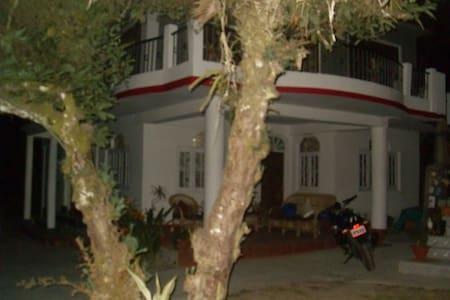 ATRIUM PARK HOMESTAY - Triple Room - Kalimpong