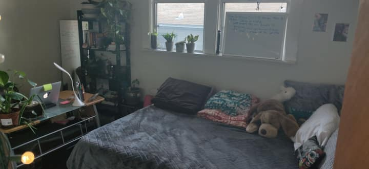 Temporary Room Rental in Oakland, CA