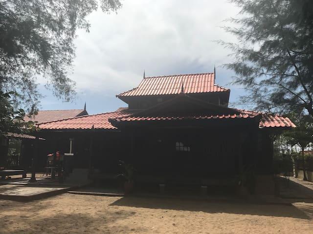 Zaki's Residence Marang - Marang - Domek parterowy