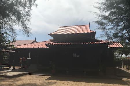 Zaki's Residence Marang - Marang - Bungalow