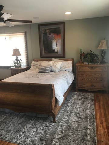 Large, private, homey room and surroundings