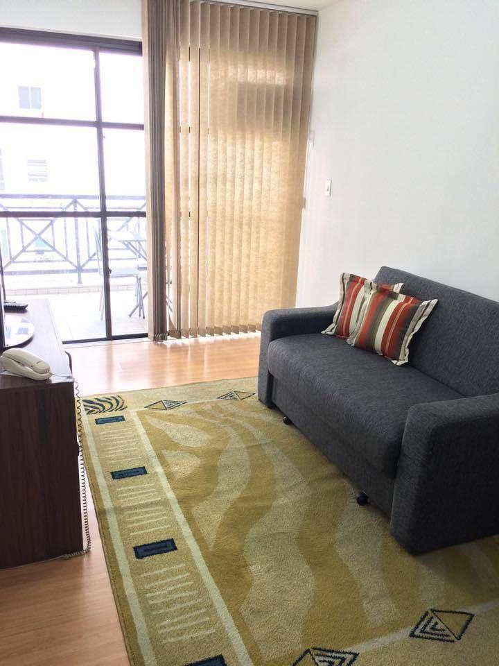 Sala de Estar com varanda (Living Room with Balcony)